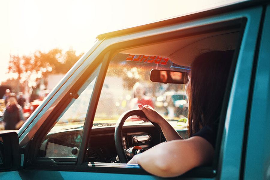 Otomobilinizi Güneşin Zararlı Etkilerinden Nasıl Koruyabilirsiniz?
