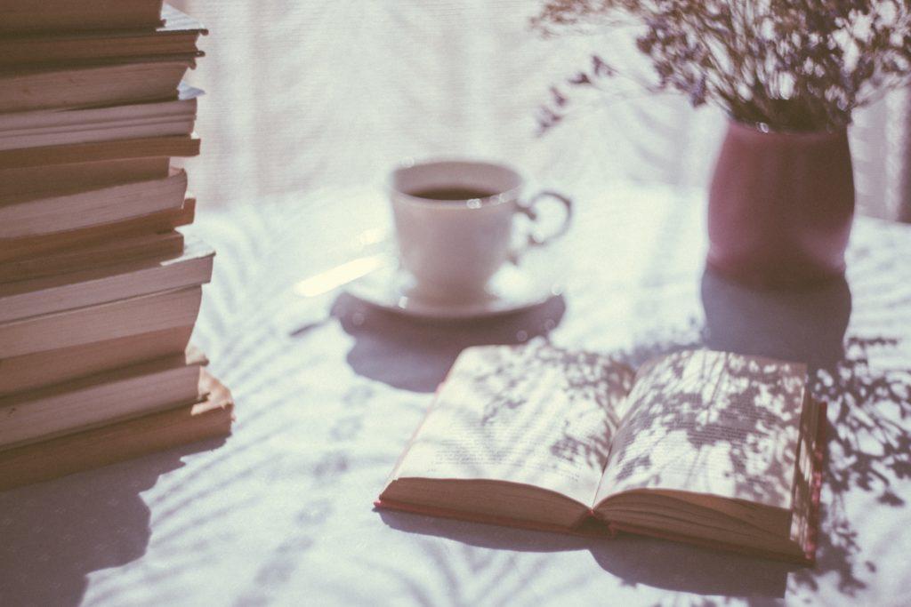 kitap-okuma-aliskanligini-gelistirmek-icin-ne-yapmaliyiz